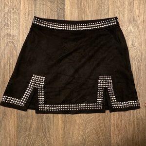 Black detailed skirt